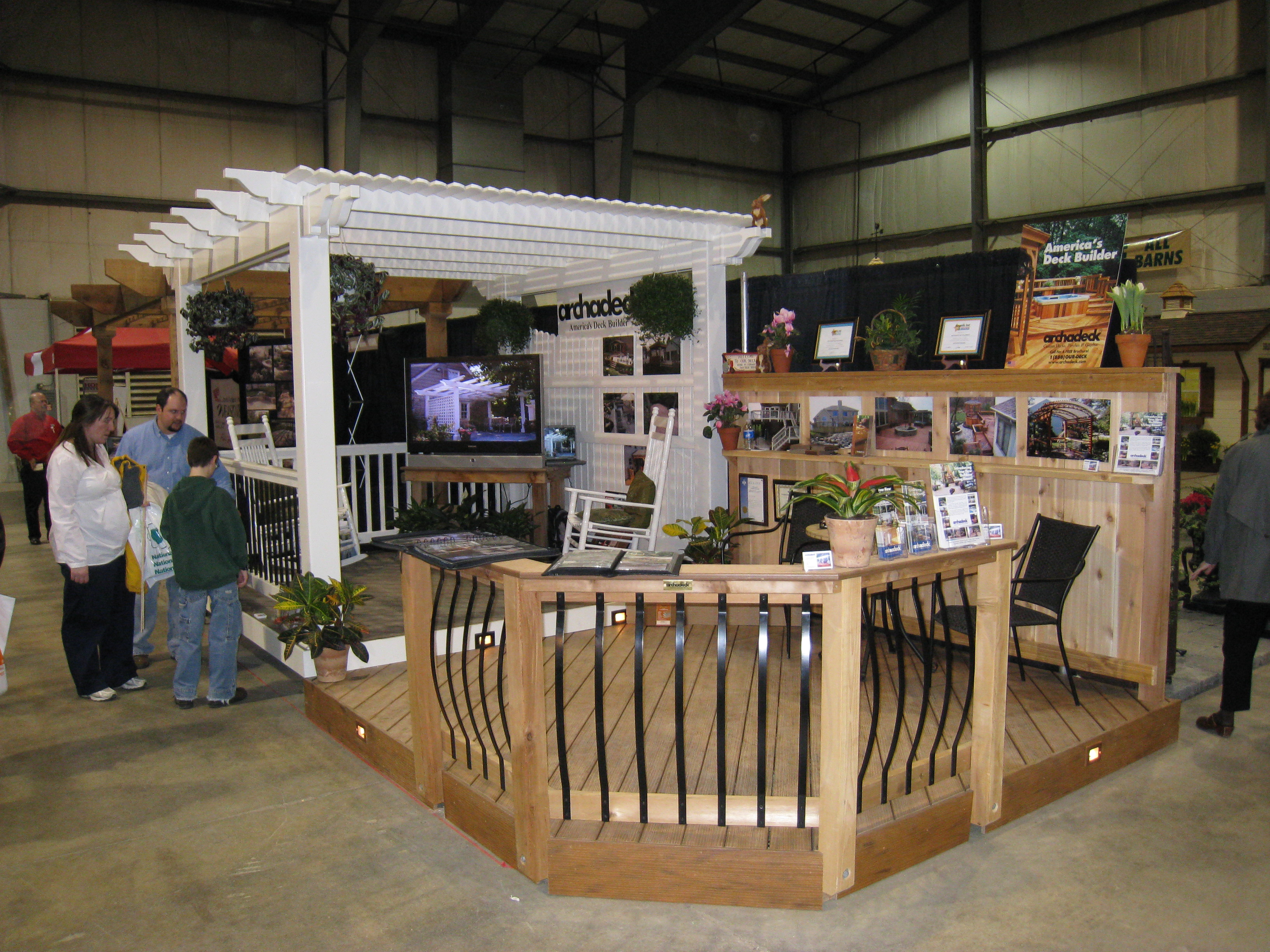 Pergolas columbus decks porches and patios by archadeck for Display home garden designs