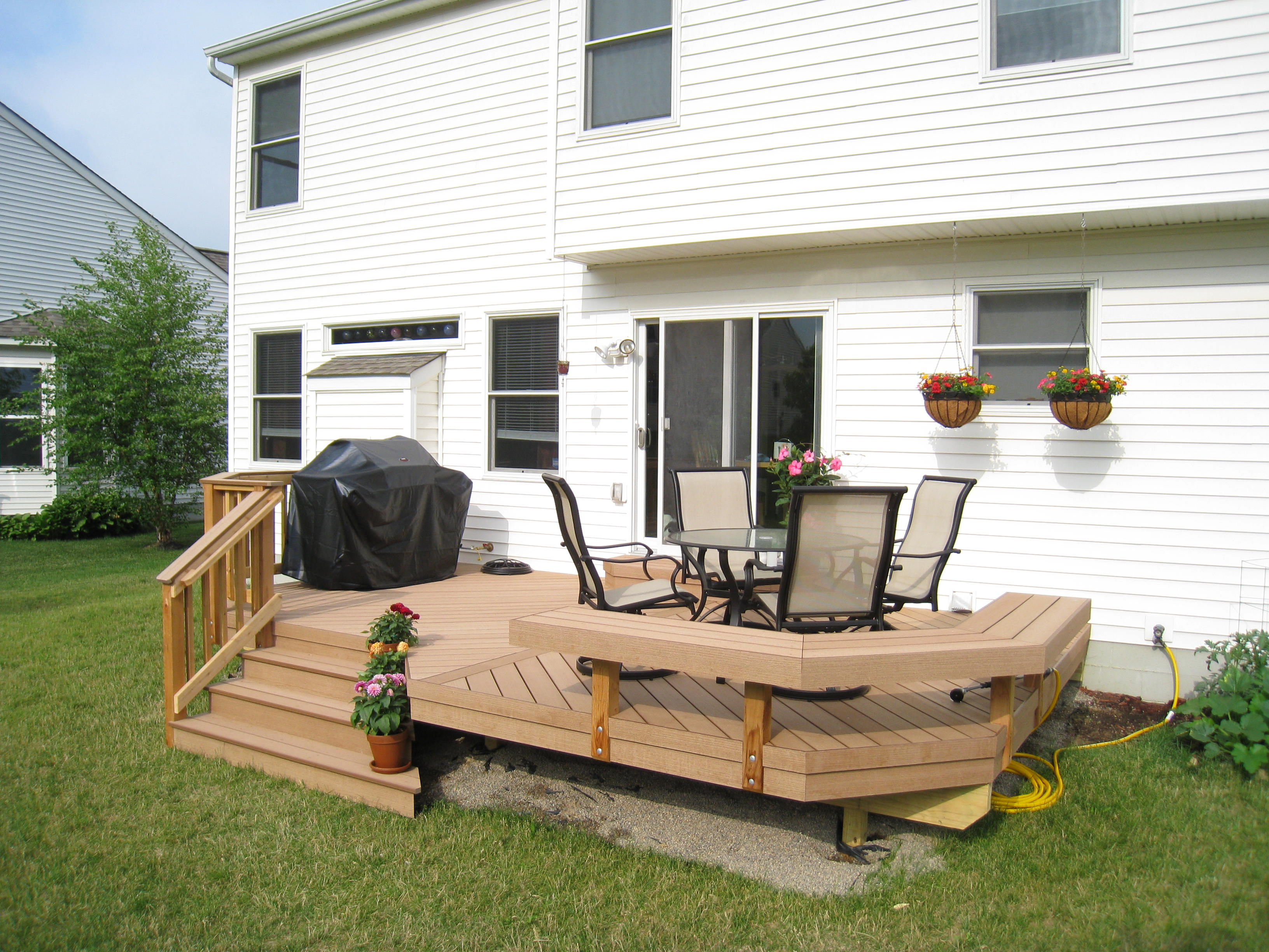 Azek decks columbus decks porches and patios by for Redwood vs composite decking