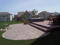 Hardscape patio showing detailed soldier course (outside bordering)