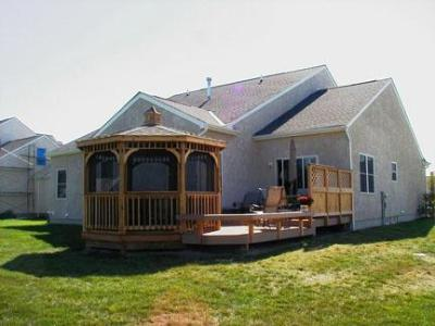 Columbus low to grade Deck with Corner Gazebo