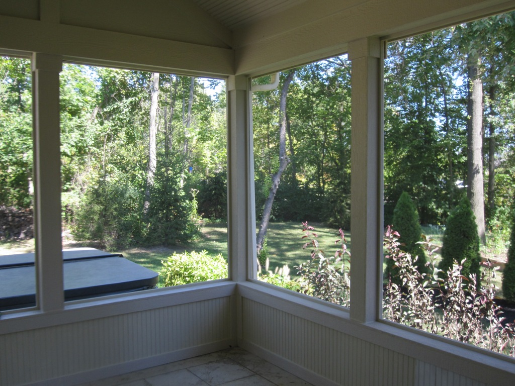 Top 10 musts for a fabulous screened porch columbus for Screen walls for deck