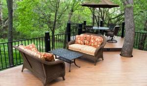 TimberTech Earthwoods with Aluminum railings Columbus