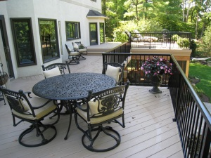 Columbus_OH_large_double_deck_over_screen_porch