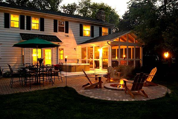 columbus_screen_porch_divider_rail_patio_and_firepit - Pretty Porches And Patios