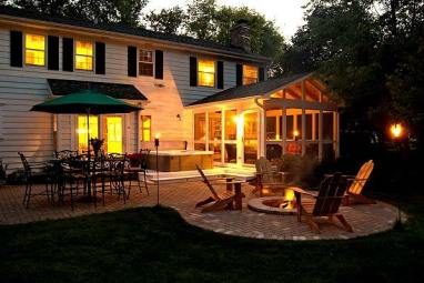 Columbus_screen_porch_divider_rail_patio_and_firepit