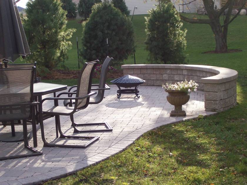 Columbus paver patio rounded edges rounded retaining wall bench