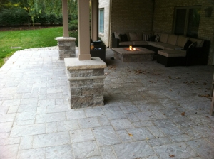 hardscape patio with stone open columns Columbus