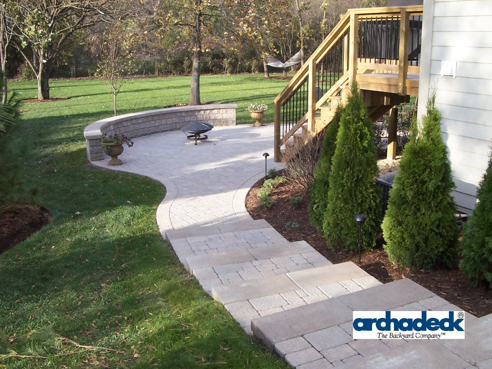 paver patio stairs with hardscape and retaining wall bench