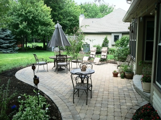 Paver patio with rounded edges rounded step Columbus OH