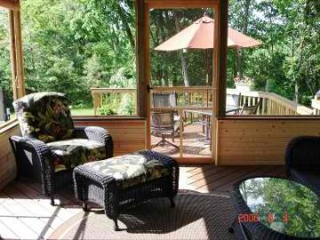 Screened porch and deck combo. Columbus