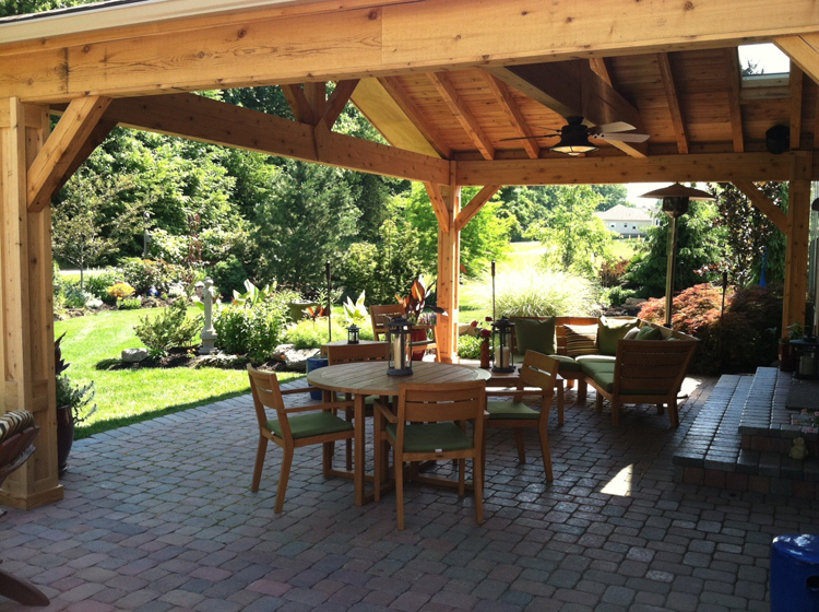 Building with cedar columbus decks porches and patios for Covered back porch designs