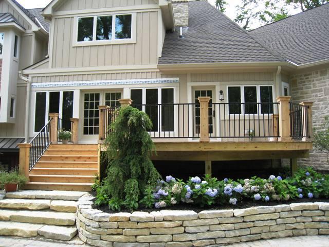 Cedar deck and patio in Columbus, OH