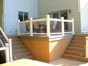 Evergrain deck with tiered stairs in Columbus, OH
