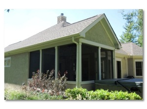 Columbus screened porch with stucco exterior