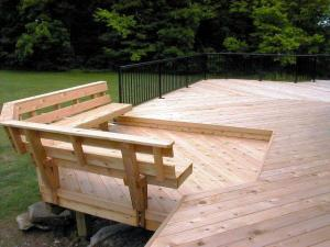 Columbus custom cedar deck with floating bench