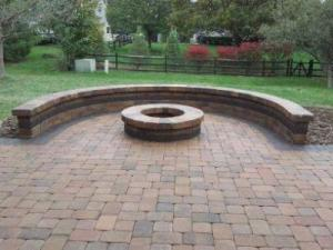 Columbus OH paver patio with retaining wall and fire pit