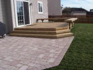 Patio with sailor course edging adjacent to Deck Columbus Ohio
