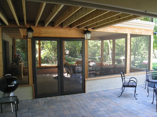 Columbus OH Hardscape Patio With Adjacent Screened Porch