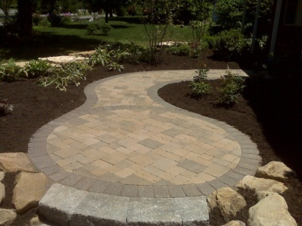 Columbus OH front of home hardscape designs