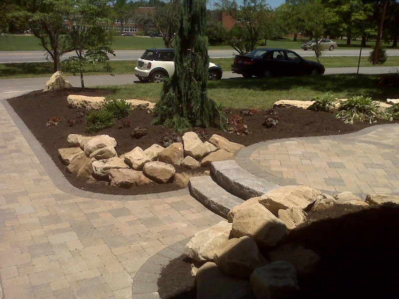Columbus oh front of house paver designs columbus decks for Hardscape design