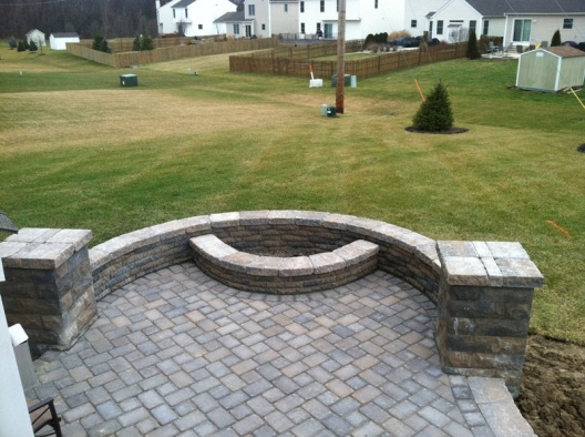 Columbus paver patio with hardscape pillars retaining wall fire pit