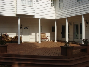 Central GA composite deck built in benches planters