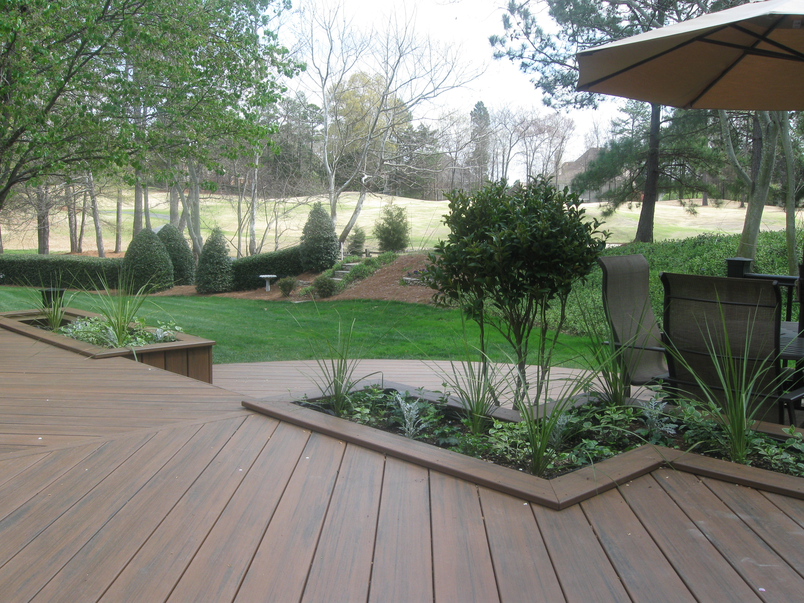 Earthwoods Evolutions With Planters Looking