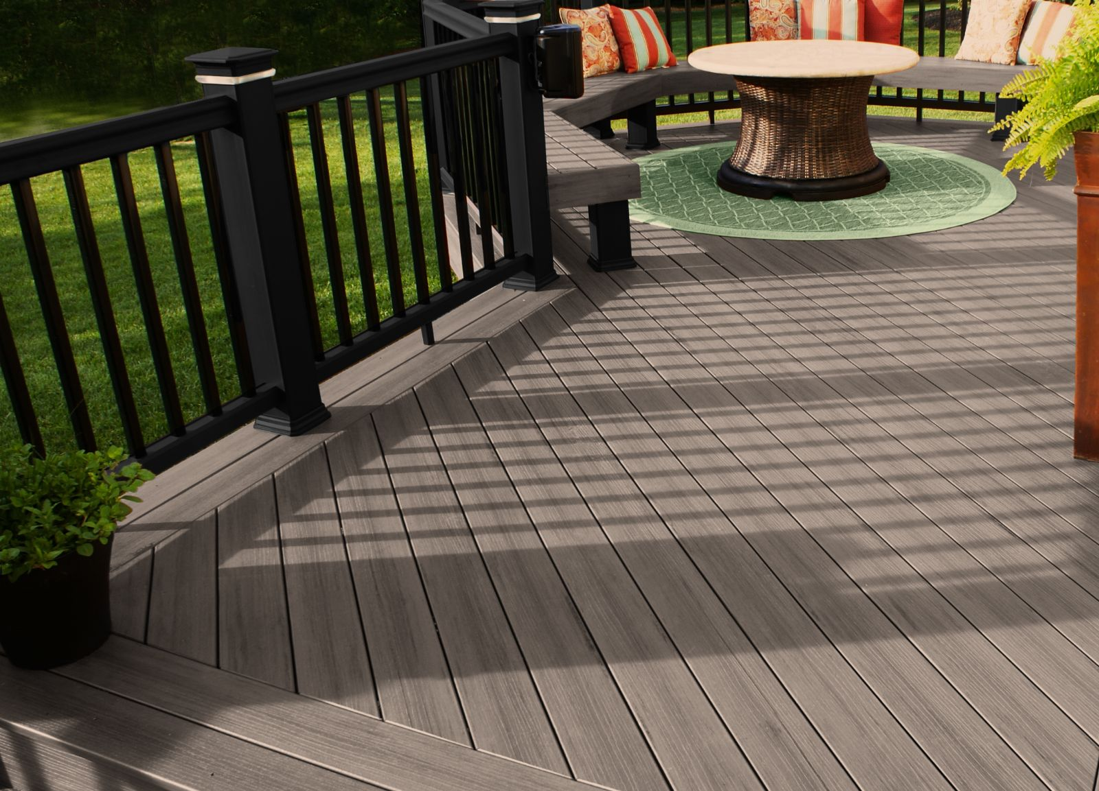 Composites add great options to your columbus deck color for Balcony colour combination