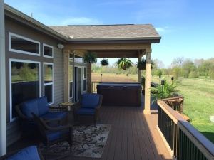 Columbus deck open porch and hot tub 750