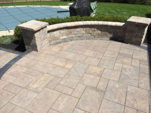 Columbus OH paver patio with seating wall lr