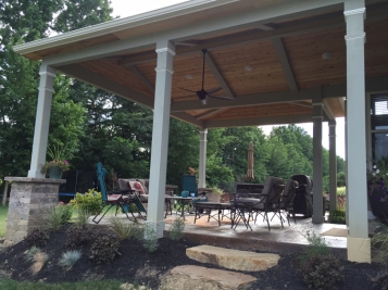http://columbus.archadeck.com/our-projects/columbus-screen-porches-and-sunrooms/