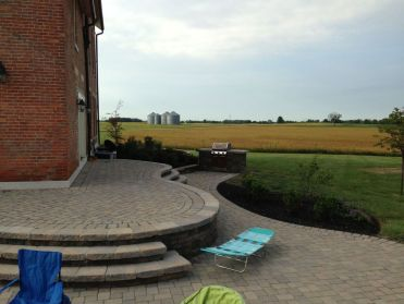 London OH hardscape outdoor living environment