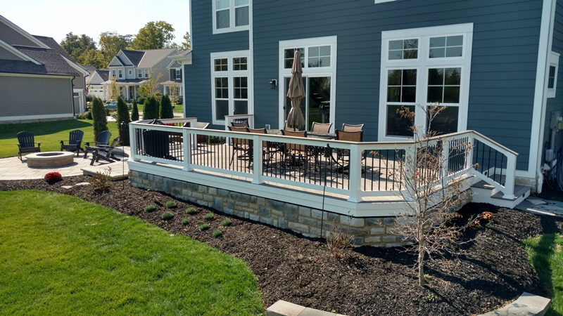 Plain City Oh Timbertech Deck With Cultured Stone Skirting